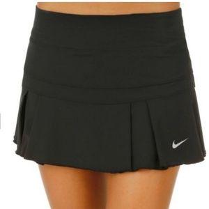 Nike pleated black tennis tshirt-size medium
